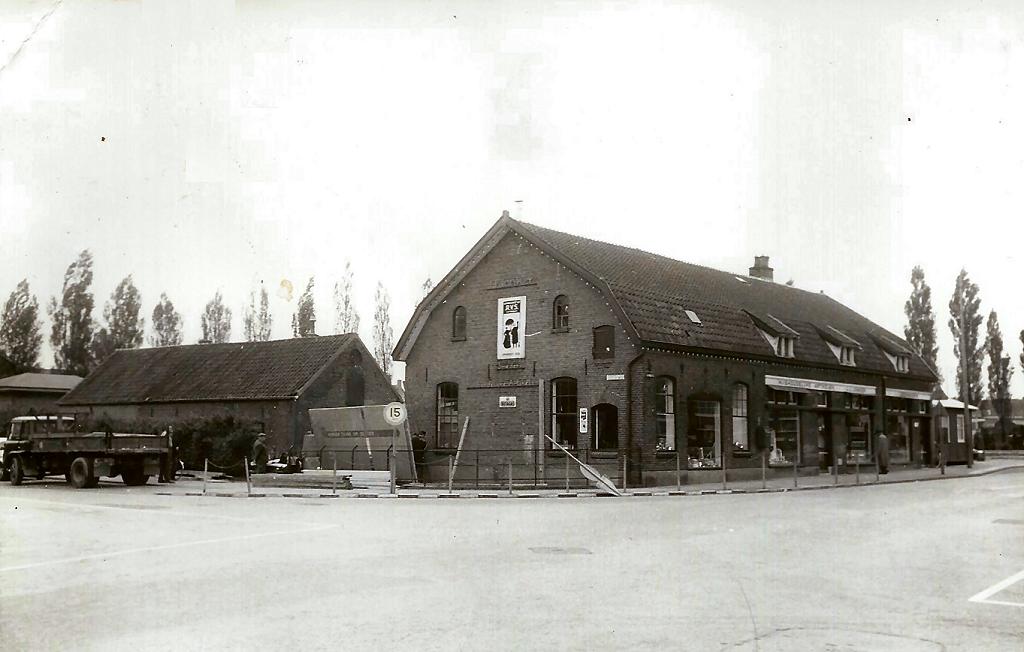1965  hoek Churchillweg Geertjesweg Wageningen