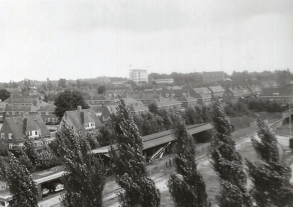 1996 Uitzicht over Patrimonium en de spoorlijn  Wageningen