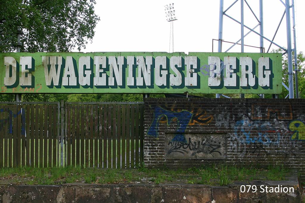 079-stadionklein
