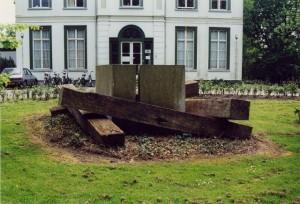 16 WA167-1 Beeld van hout en steen vh Gen Foulkesweg 64 (verdwenen na 1999) Scheffer
