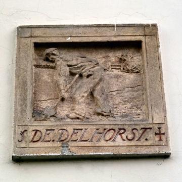 Raadsel 27 Gevelsteen Delhorst